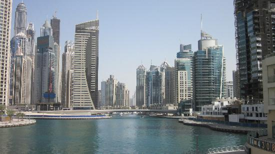Marina View Hotel Apartments : Dubai Marina view - great place to walk, run or just hang out