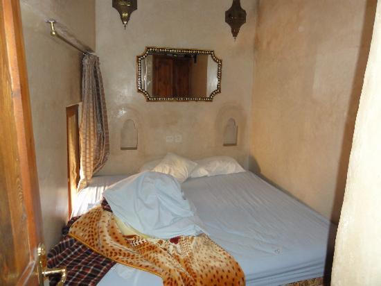 Hotel La Maison Nomade: Bett Assalam