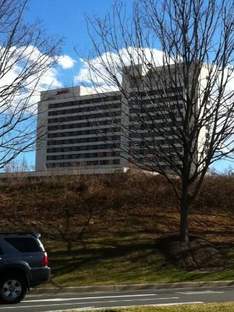 Tysons Corner Marriott: hotel from outside