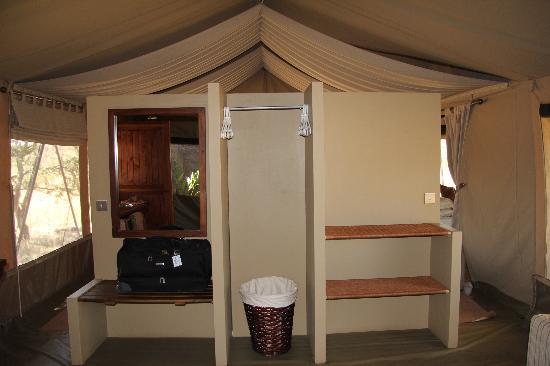 Naboisho Camp, Asilia Africa: wardrobe