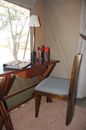 Naboisho Camp, Asilia Africa: desk
