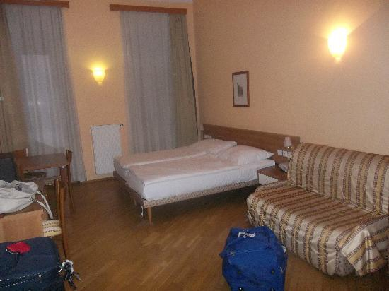 Residence Select Prague: The room when we got there