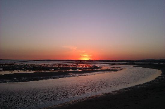 Parque de campismo Orbitur Ilha de Armona: Coucher de soleil au porte du camping
