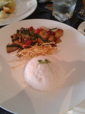 The Living Room Cafe & Lounge: Chicken with cashew nuts