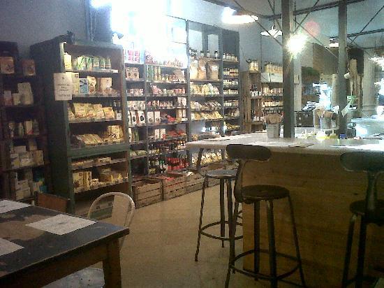 Woki Playa: Mezcla de supermercado y restaurante.