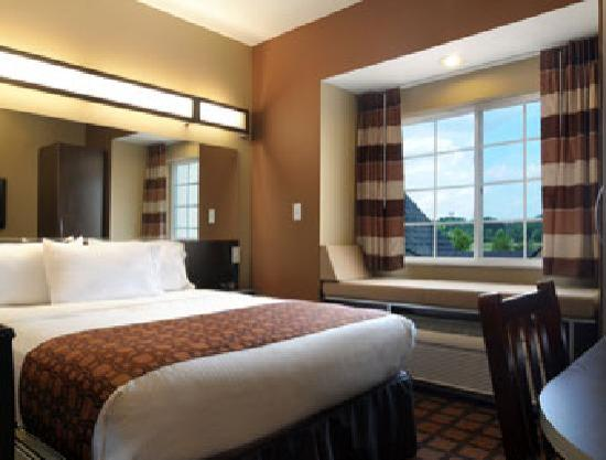 Microtel Inn & Suites by Wyndham Perry: 1 Queen bed