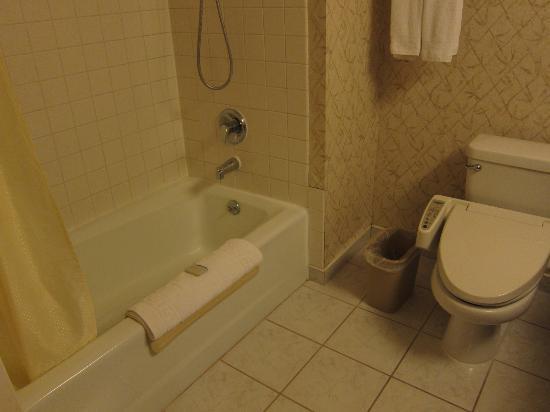 Miyako Hotel Los Angeles: バスルーム