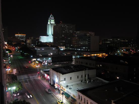 Miyako Hotel Los Angeles: 窓から
