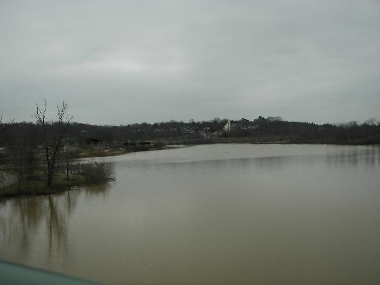 Winton Woods Park: more of the lake