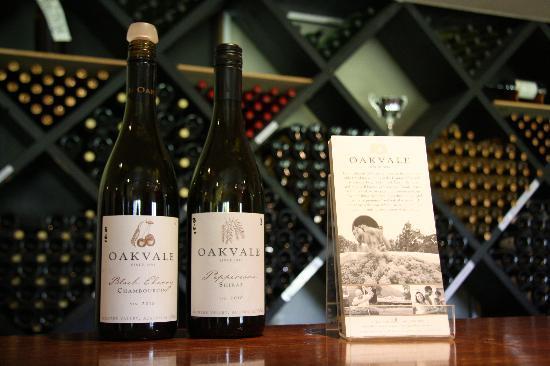 Oakvale Wines: front desk