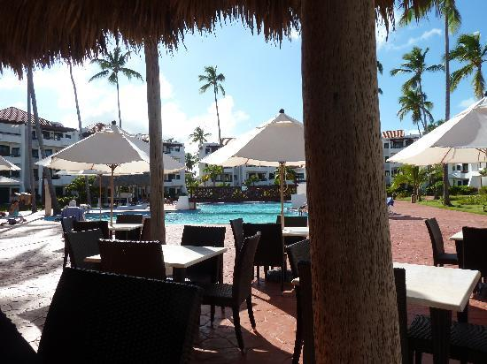 Stanza Mare : la piscina desde el restaurant