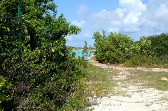 Providenciales: The entrace to Taylor Bay...