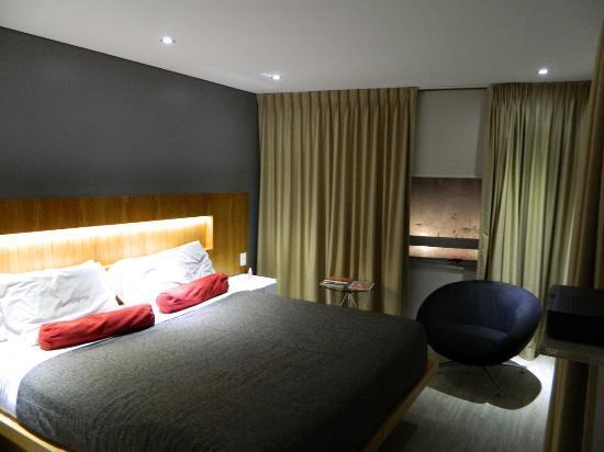 Regency Rambla Design Apart Hotel: Habitación matrimonial. Vista a la playa