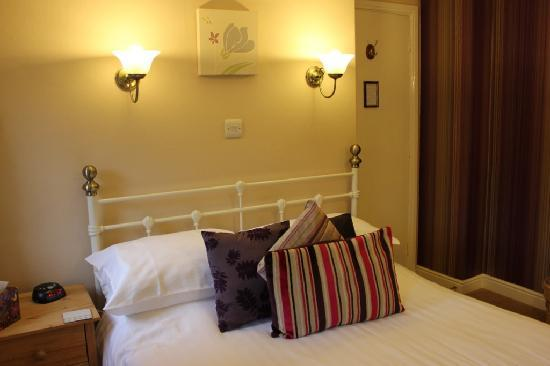 Pitcairn House: En-suite double room