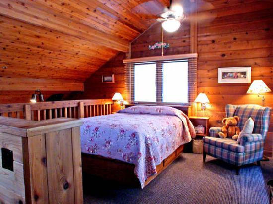 The Canyon Wren - Cabins for Two: Upstairs chalet hideaway