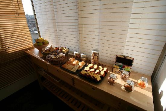 Bamboo B&B: Continental Breakfast
