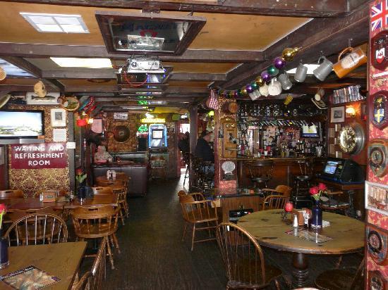 Prince of Wales Pub: The Inside & The Swingin Door - Picture of Prince of Wales Pub San Mateo ... Pezcame.Com