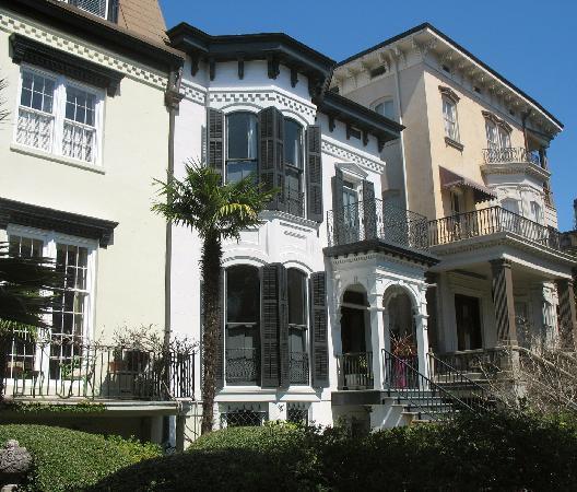 First City Walks: Beautiful Historic Homes