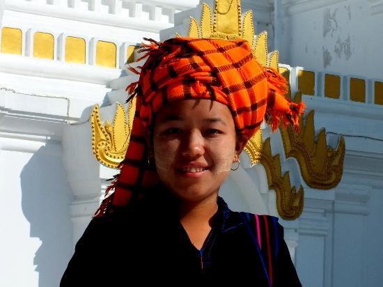 Inle Lake: Pa O girl at Taunggyi