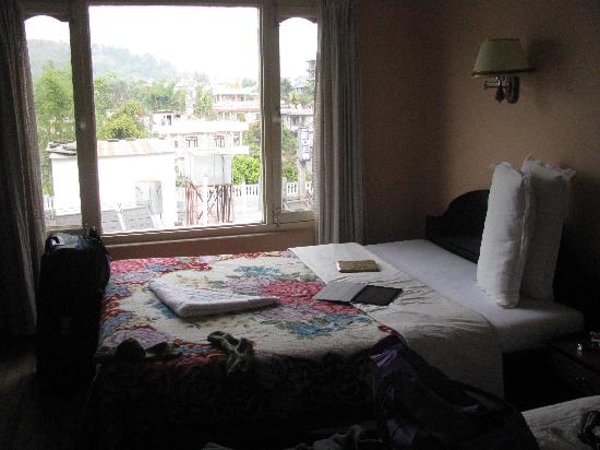 Hotel View Point: A comfortable room after a long trek