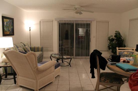 Island Club: Townhouse living room