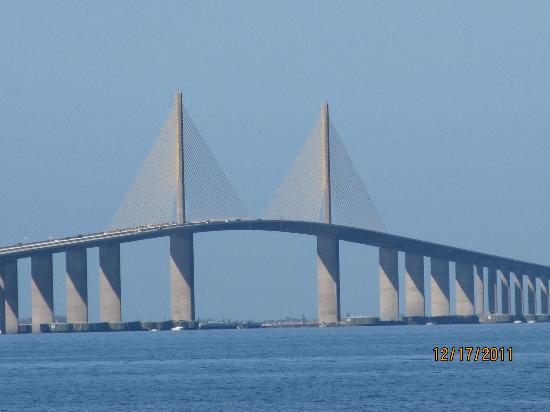 Sunshine Skyway Bridge : View from the northern end