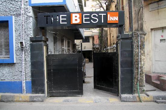 The Best Inn: The front entrance