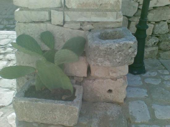 Agriturismo Serrameta: dettaglio davanti la camera