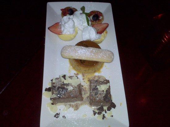 Firefly Tapas Kitchen & Bar : Dessert Platter