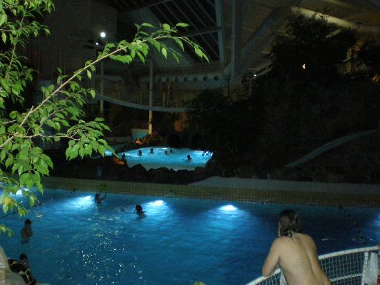 Dans la maison photo de sunparks kempense meren mol for Sun park piscine