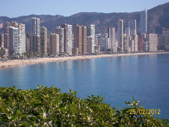 Hotel RH Sol: Levante beach side where Rh Sol is situated
