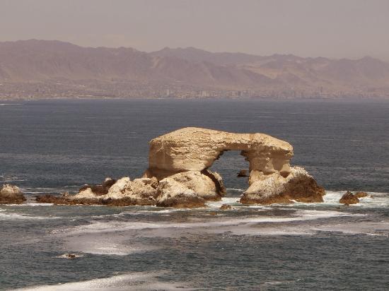 """La Portada: Von Norden kommend das """"Stadttor"""" von 'Antofagasta"""