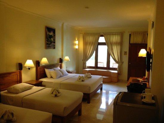 Febri's Hotel & Spa: Quad Room