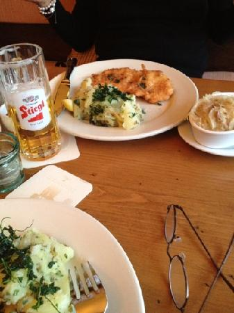 Leopold's: schnitzel and beer - just great