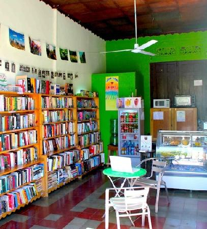 Lucha Libro Books: Lucha Libro's original location