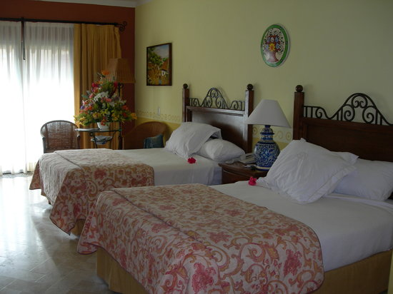 nice clean rooms at the grand occidental cozumel