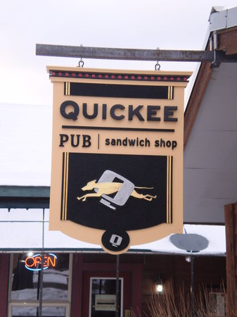 Quickee's : The New Quickee Sign