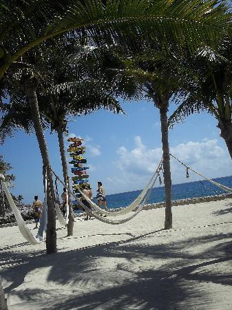 Hamacas en la playa picture of xcaret eco theme park - Hamacas de playa ...