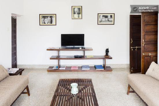 Bhola Bhawan Bed and Breakfast : Common Lounge