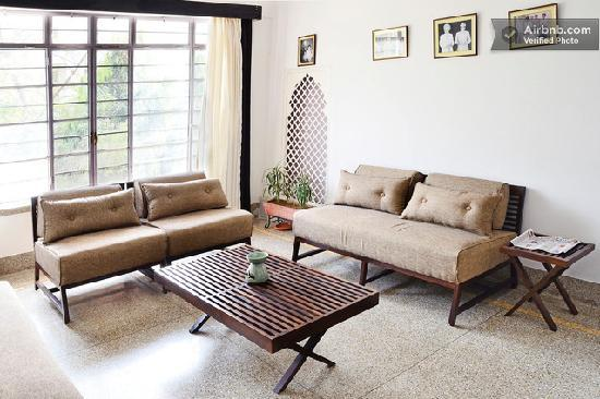 Bhola Bhawan Bed and Breakfast : Lounge