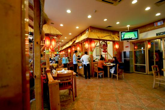 Harbin Man Tang Hong Bifengtang Mei Shi (Zhong Yang Main Street) : Restaurant