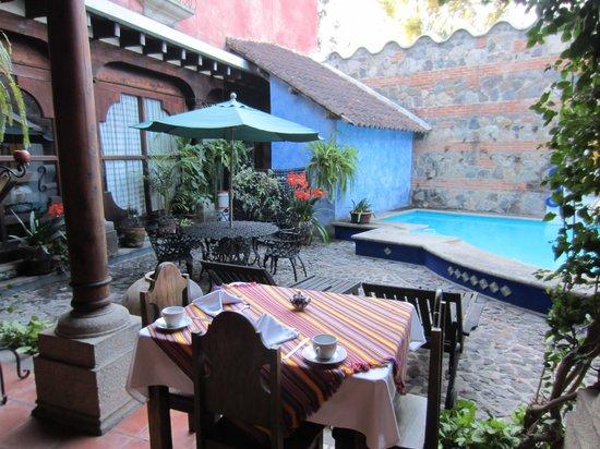 Hotel Palacio de Dona Beatriz: giardino interno