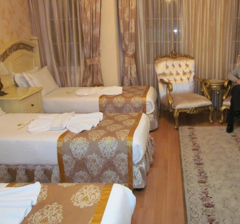 White House Hotel Istanbul: Triple Room