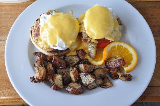 Made 2 Order : Crab benedict - yummy!