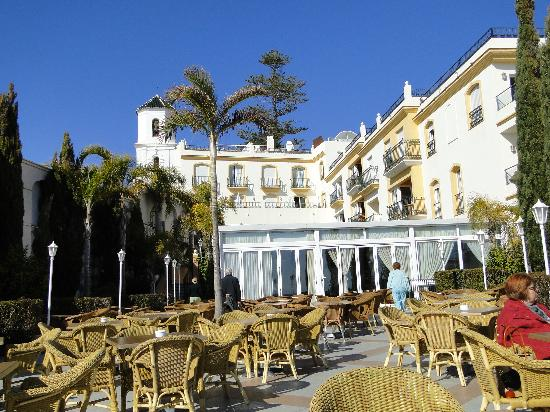 Toboso apar-turis Hotel: view from Cochrans bar