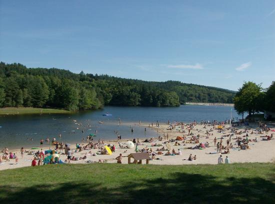 Lac des bariousses foto van treignac correze tripadvisor for Location b b france