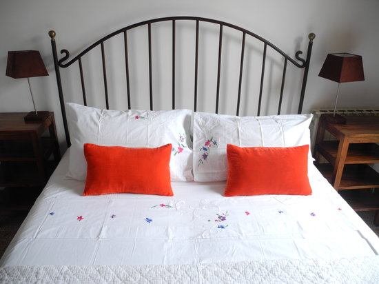 Casa Bougainvillea: all iron beds