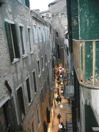 Locanda ai Bareteri: Street view from room