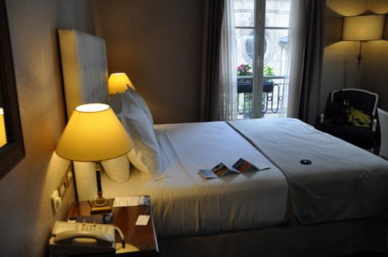Melia Paris Notre-Dame: Room