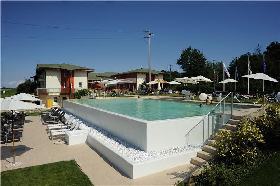 La Foresteria Canavese Country Club: Piscina
